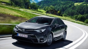 Toyota Test Sürüş Günleri iPad Kazandırıyor