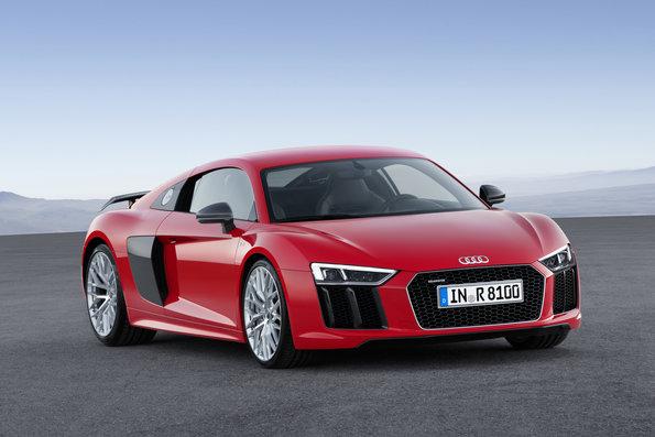 Güç, Hız, Performans = R8 V10 – Power, Speed, Performance = R8 V10