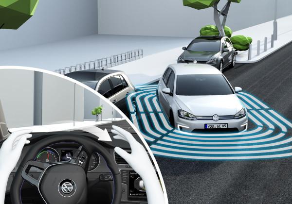 e-Golf cep telefonu ile park ediliyor – e-Golf automatic Parking