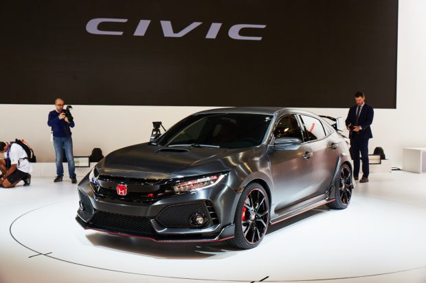 The new Honda Civic Type R Prototype has been revealed at the 2016 Mondial de L'Automobile in Paris. Civic Type R which will be officially unveiled in 2017.