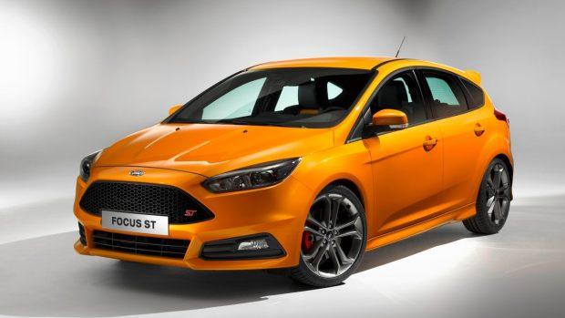 Ford'un ST serisi, şimdi Focus ST ve Fiesta ST modellerinde özel spor süspansiyonlar ve direksiyon sistemi ile sunuluyor.