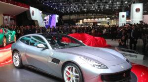 Ferrari'nin V8 turbo beslemeli motorlu 4 koltuklu ilk modeli: GTC4Lusso T
