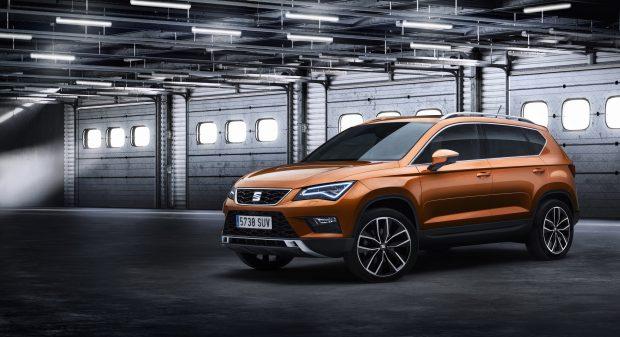 Seat'ın SUV sınıfındaki ilk temsilcisi olan Ateca, kasım ayında 115 ile 190 HP arasında değişen benzinli veya dizel motor, önden çekişli ya da dört çeker, manuel veya DSG şanzımanlı seçeneklerle ve 84 bin TL'den başlayan fiyatlarla satışa sunuluyor.