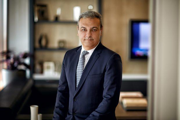 """Yürürlüğe giren ÖTV düzenlemesiyle sektörde yeni bir dönemin başlayacağını söyleyen Toyota Türkiye Pazarlama ve Satış A.Ş. CEO'su Ali Haydar Bozkurt, """"Keşke bu dönemde olmasaydı"""" dediğimiz bir gelişme. Ancak ben bu artışı yönetilebilir bir artış olarak görüyorum"""" dedi."""