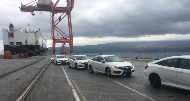Honda Türkiye Fabrikası'nda hatlardan inen Civic Sedanlar Türkiye'nin ardından Körfez ülkelerinde de satılmak üzere yola çıktı.