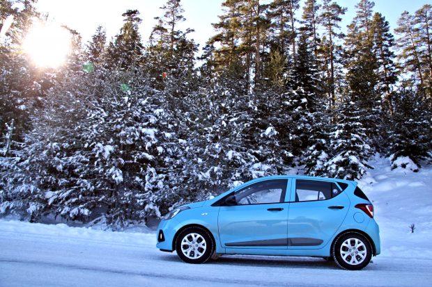 Tüm Hyundai araçların silecek süpürgesi, akü ve antifrizinde geçerli olacak yüzde 20 parça indiriminin yanında Hyundai Blue Card sahiplerine 4 adet lastik alımlarında da 80 TL'ye kadar indirim uygulanacak.