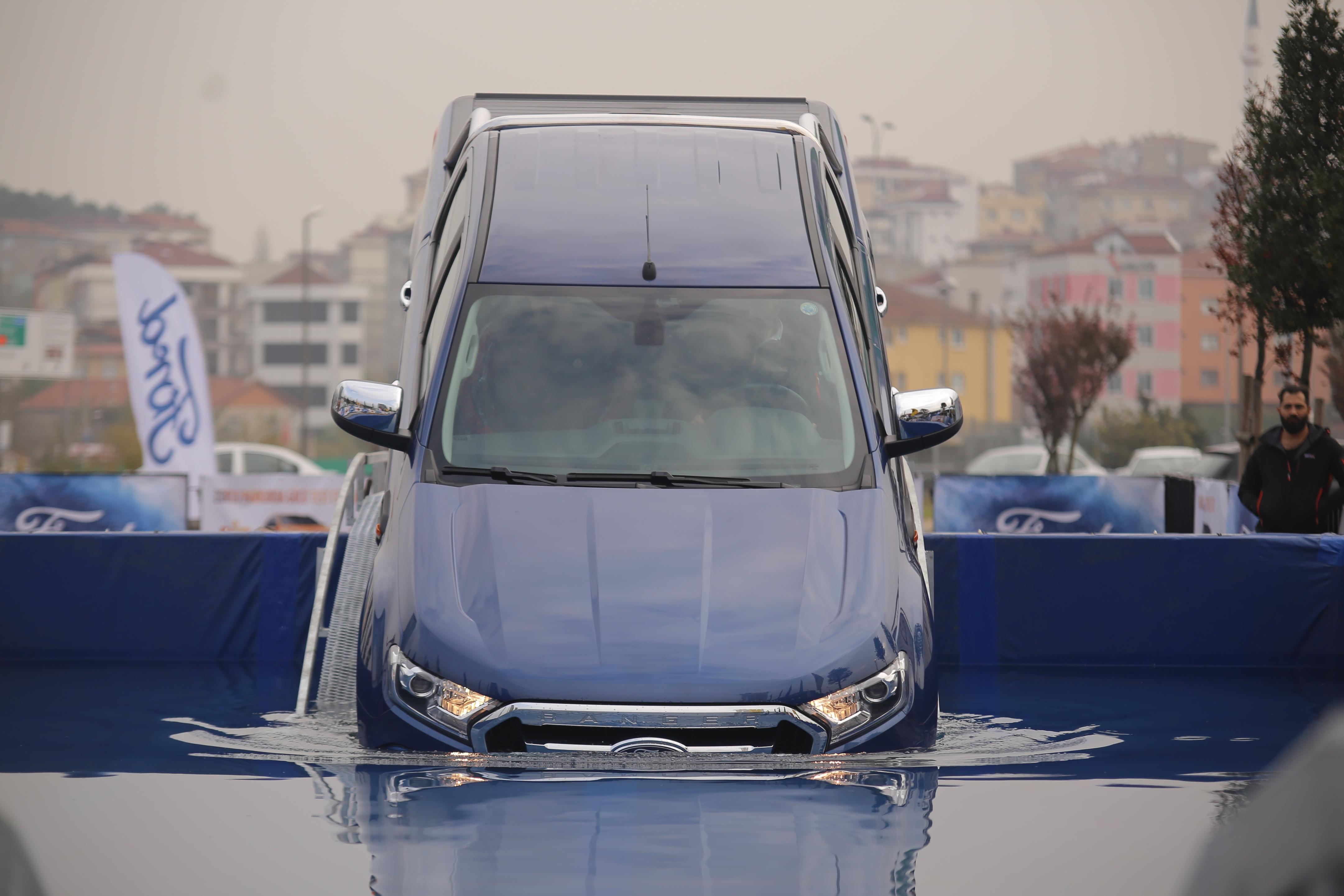 Ford Ranger'ı Su Geçişli Parkur Test Ettik