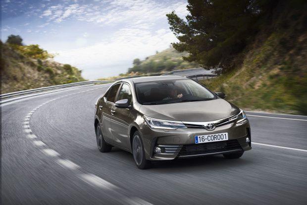 Toyota kasım kampanyasında 6 bin TL'ye varan indirimler ve 0 km araç alacaklara Forever Kart kampanyası ile BP'den 3 ay yüzde 5 akaryakıt indirimi sunuyor.