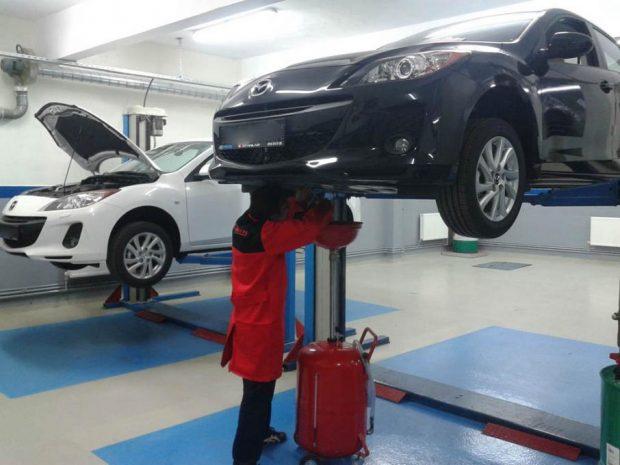 Mazda yetkili servislerine giden 3 yaş ve altındaki araç sahipleri Servis Sonbahar Kampanyası'yla işçilik, yedek parça ve aksesuar hizmetinden yararlanacak.