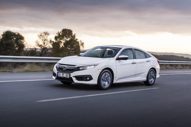 Civic Sedan'ın ÖTV farkını Honda karşılarken 4X4 CR-V dizel otomatik modelinde de şimdi al, seneye öde kampanyası uygulanıyor.