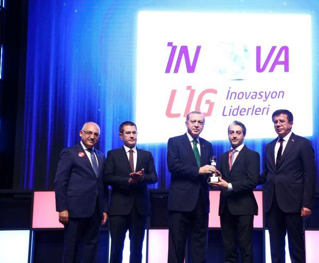 """Ar-Ge'ye her yıl 10 milyon TL yatıran CMS Grubu, Inovalig 2016 İnovasyon Liderleri Yarışması'nda """"İnovasyon Stratejisi"""" kategorisi Türkiye birincisi oldu."""