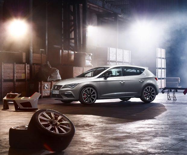 Leon serisinin tüm modellerinde olduğu gibi, yeni Seat Leon Cupra da yeni güvenlik, konfor ve bağlanabilirlik donanımlarına sahip olarak gelecek.