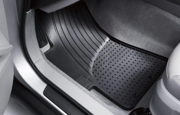 Aralık ayı boyunca Subaru Satış Sonrası Hizmetleri'nde yüzde 20 indirim, orijinal kauçuk paspaslarda da sunulmaya başlandı.
