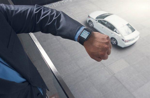 Google Home ile entegre çalışan  Blue Link desteğine sahip Hyundai sahipleri, evlerinden ses komutlarıyla araçlarına komut verebilecek.