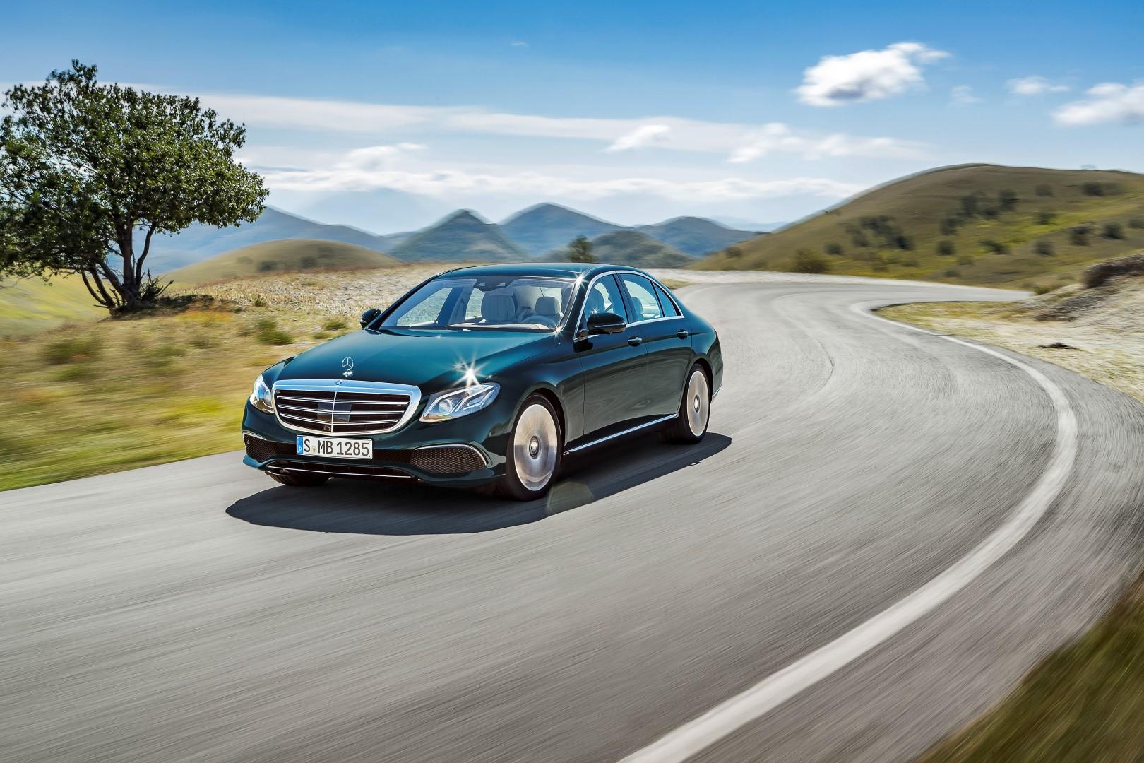 Mercedes-Benz E-Serisi 1.6 lt benzinli ve 9G-Tronic Seçeneği ile Satışta