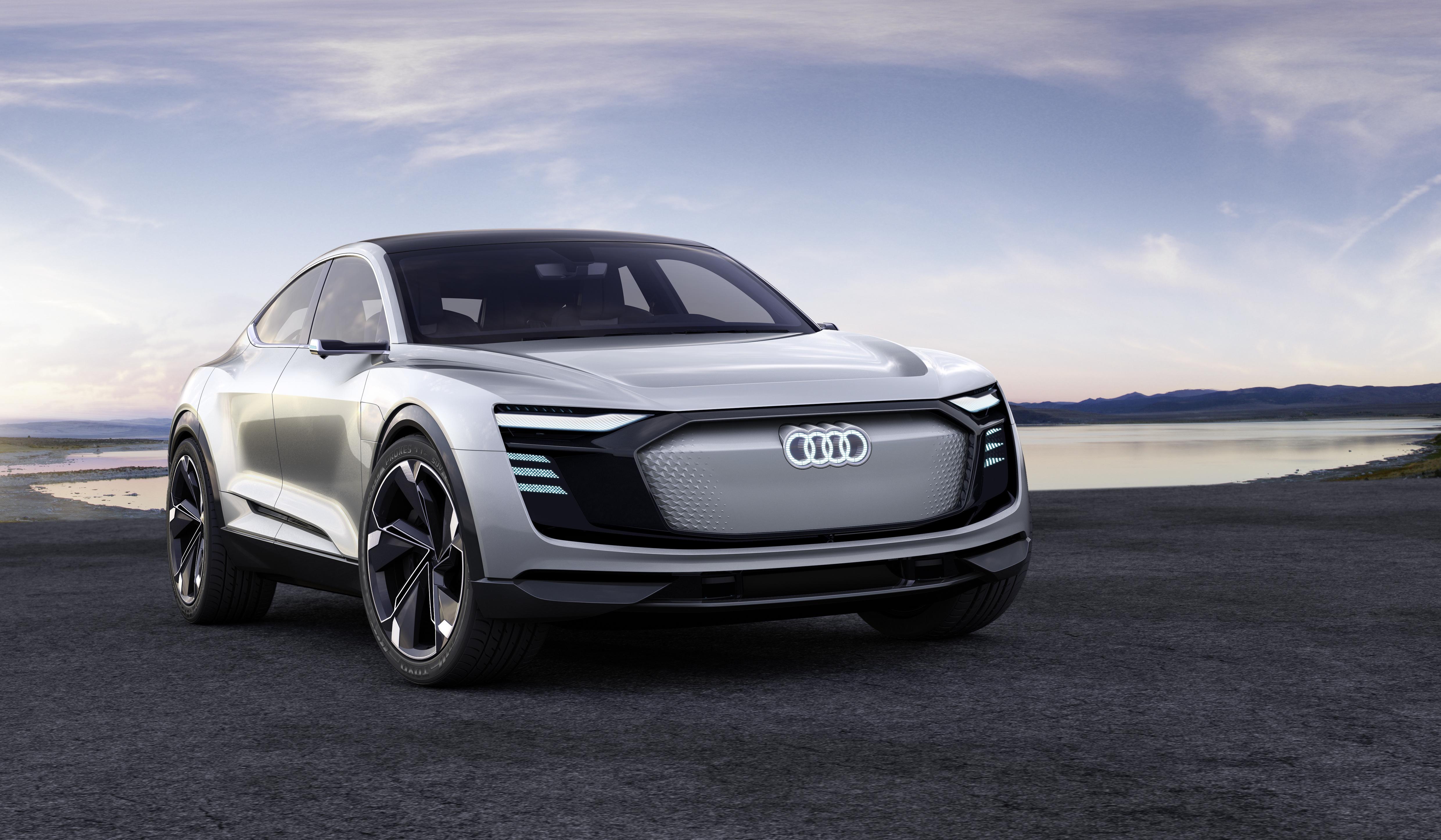 Audi Elektrikli Otomobil Konsepti Gran Turismo Audi e-tron Sportback'i Tanıttı