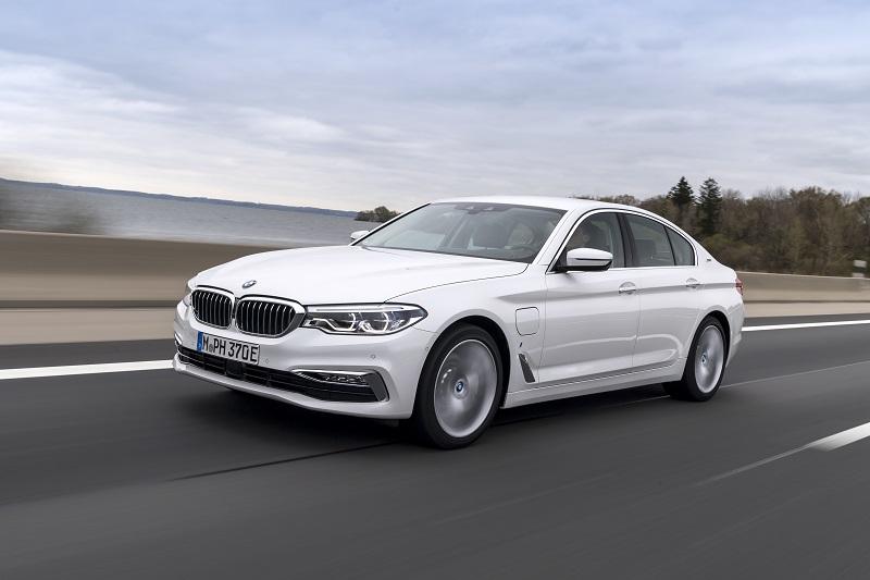 BMW 5 Serisi Yeni Hibrid Modele Kavuştu: BMW 530e iPerformance