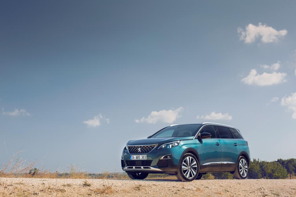Peugeot 5008 ile SUV Segmentinde Hem Boyut Hem de Sınıf Atlayacak