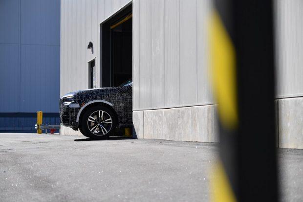 BMW X7 Ön Üretim Modelleri ABD'deki Montaj Hattından Çıkartıldı