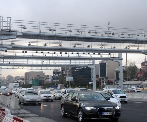 Köprü ve Otoyol Geçiş Fiyatları Otomobiller için Daha Fazla Zamlandı