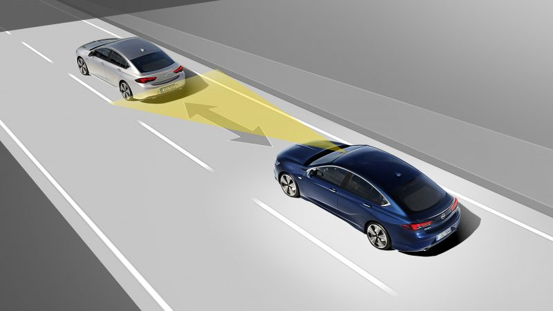 Opel Adaptive Cruise Control Nasıl Çalışıyor?