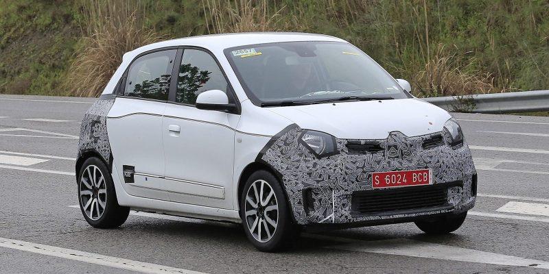 Renault Twingo'nun Makyaj Çalışmaları Testte Yakalandı