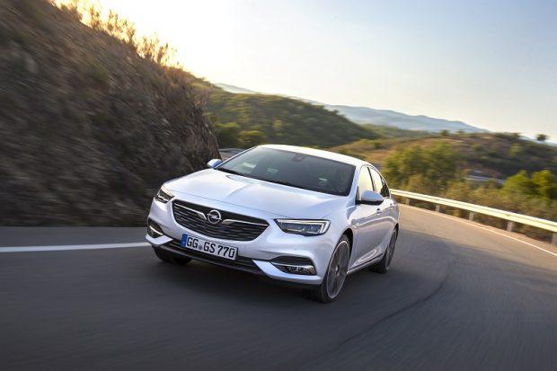 Opel Insignia yeni benzinli motor
