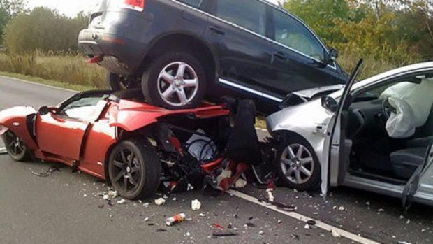 dünya trafik kaza 3