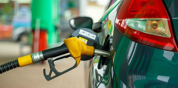 benzin fiyat indirimi