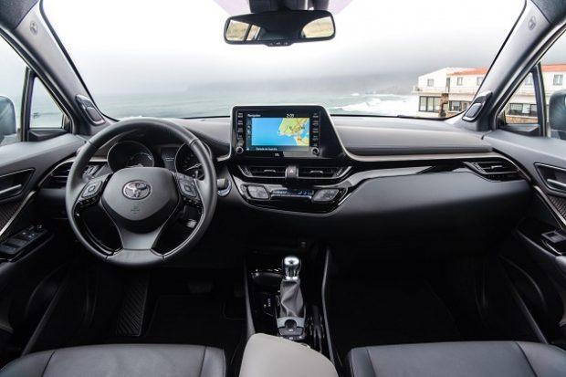 Yenilenen Toyota C HR 8