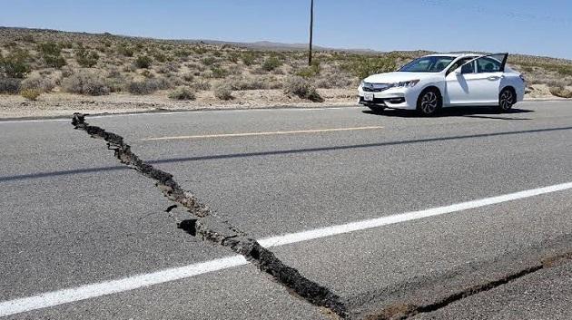 deprem otomobil dikkat