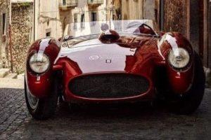 Yuvarlak Far Tasarımına Sahip En Güzel 30 Otomobil