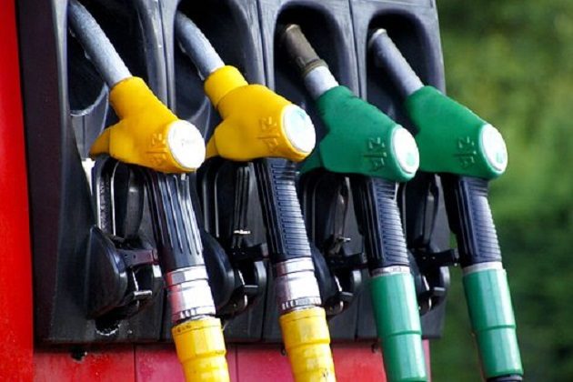 Hem Benzin Hem Motorin Litre Satış Fiyatına İndirim Yapıldı