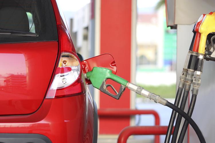 Benzinin Litre Satış Fiyatında Yeni Bir İndirime Gidildi