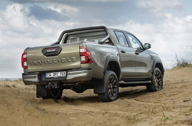 Yeni Toyota Hilux 3