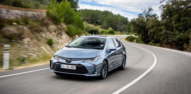 Toyota Corolla Sedan Yeni Motor Seçeneğine Kavuştu